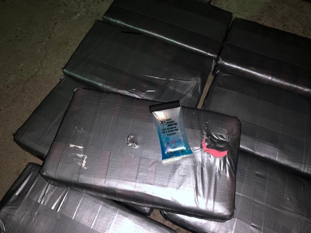 Кокаин во фруктах: пограничники не дали вывезти из Украины в ЕС 54 кг кокаина (ФОТО, ВИДЕО) 1