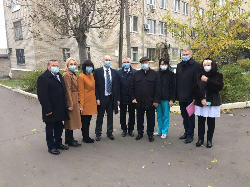 Три «коронавирусных» больницы Николаева посетили руководители НСЗУ (ФОТО)