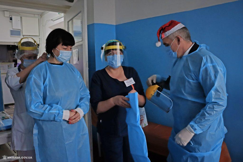Пациенты Николаевской детской горбольницы №2 не остались без подарков на День святого Николая (ФОТО) 1