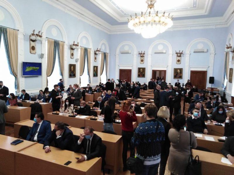 Уже в рабочем режиме: Николаевский горсовет продолжил свою работу (ФОТО)