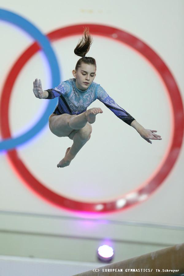 Украинские спортивные гимнастки взяли золото на Чемпионате Европы (ФОТО) 13