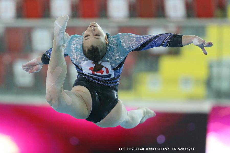 Украинские спортивные гимнастки взяли золото на Чемпионате Европы (ФОТО) 1