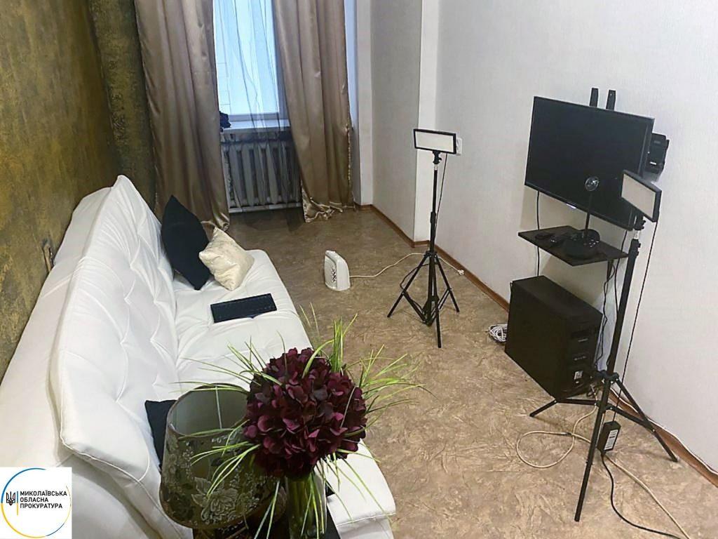 Пара николаевцев устроила онлайн-порностудию в арендованном офисе (ФОТО) 5