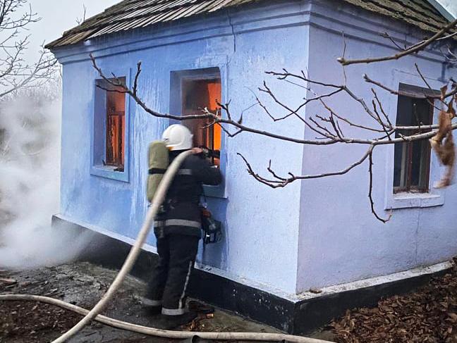 В Новопетровском в горящем доме найдено тело домовладельца (ФОТО)