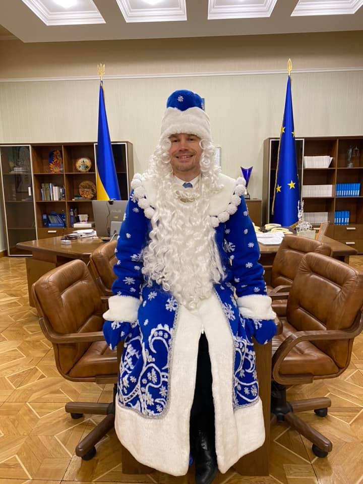 Дед Мороз Малюська пообещал приватизацию 4 тюрем в новом году и усиление борьбы с рейдерством 1
