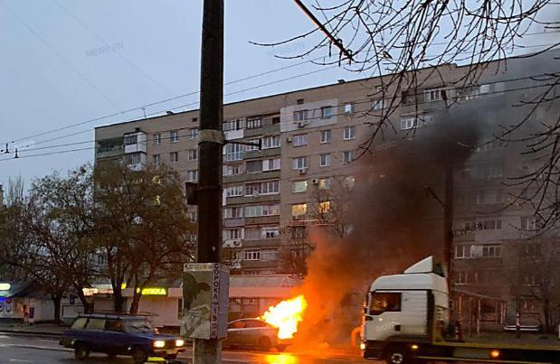 В Николаеве на ходу загорелась Toyota