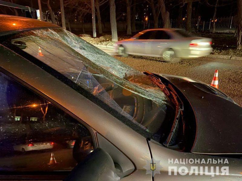 В Николаеве у материальных ворот «Зори»-«Машпроекта» насмерть сбили пешехода (ФОТО)