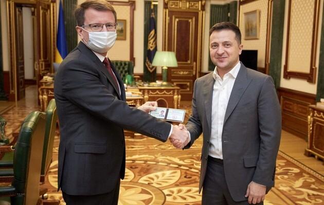 Главой Закарпатской ОГА Зеленский назначил винодела