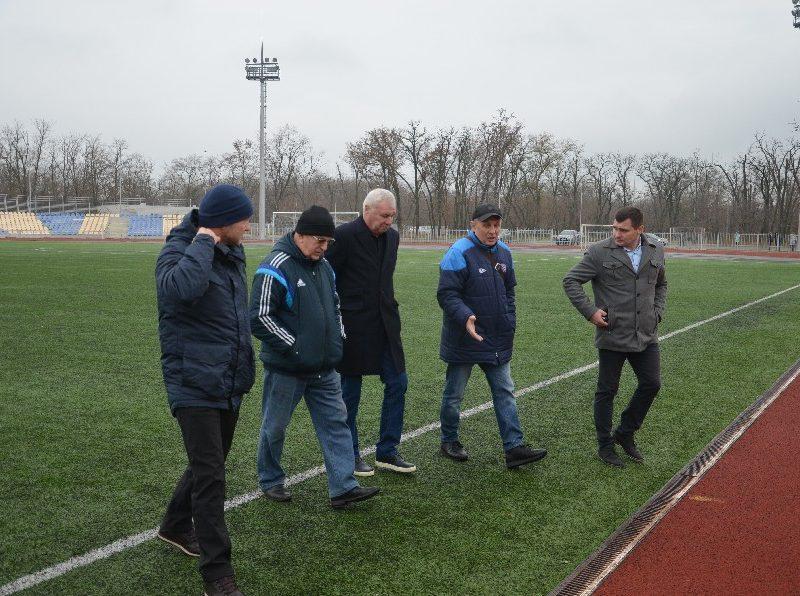 Вице-президент УАФ в Николаеве пообещал поддержку в вопросе передачи стадиона в парке Победы в городскую коммунальную собственность (ФОТО)