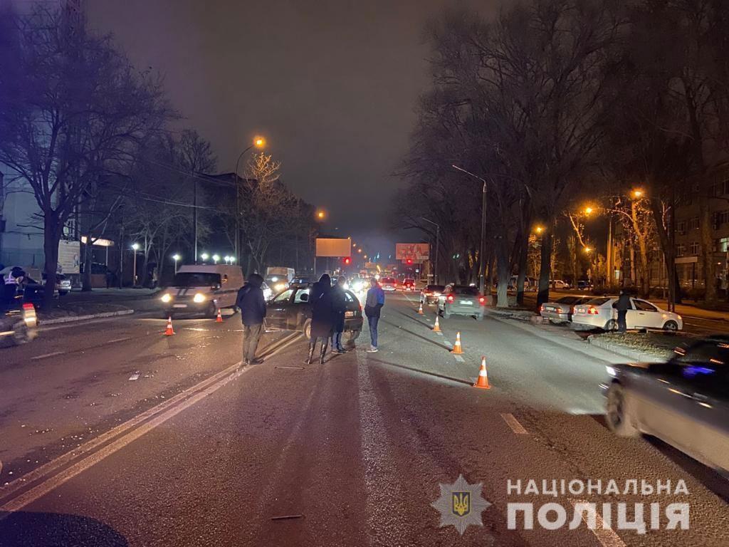 В Николаеве у материальных ворот «Зори»-«Машпроекта» насмерть сбили пешехода (ФОТО) 1