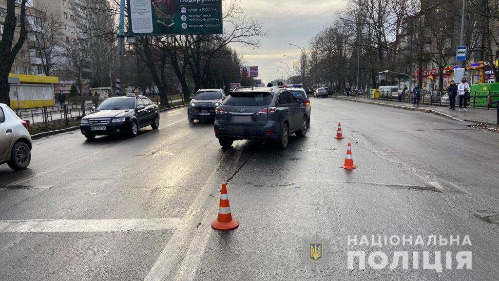 В Николаеве на пешеходном переходе Lexus сбил мужчину – пострадавший скончался в больнице (ФОТО) 1