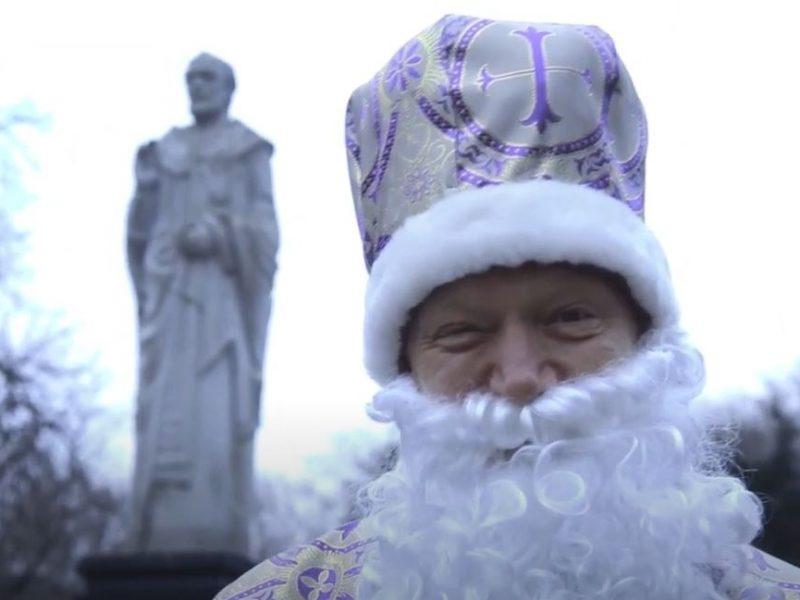 Чудеса случаются там, где начинаешься ты! Николаевские студенты поздравили горожан с Днем Святого Николая (ВИДЕО)