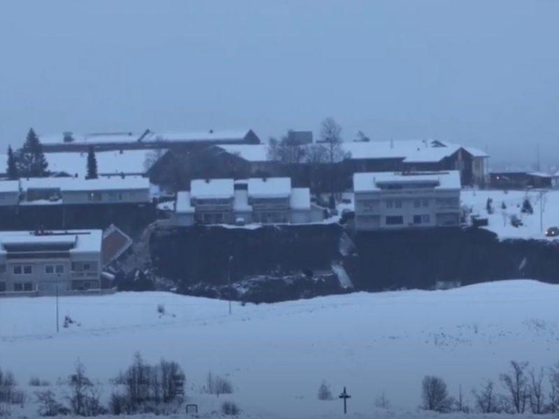В Норвегии оползень разрушил несколько домов, есть пострадавшие, объявлена эвакуация (ВИДЕО)