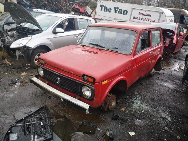 В Шотландии нашли кладбище старых советских автомобилей (ФОТО)