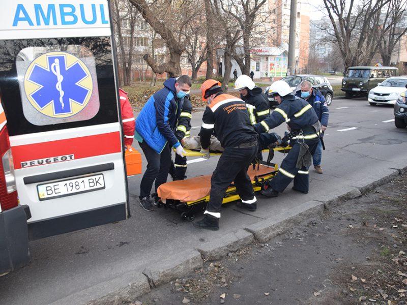 В Николаеве умер мужчина, которого  сегодня сбил трамвай