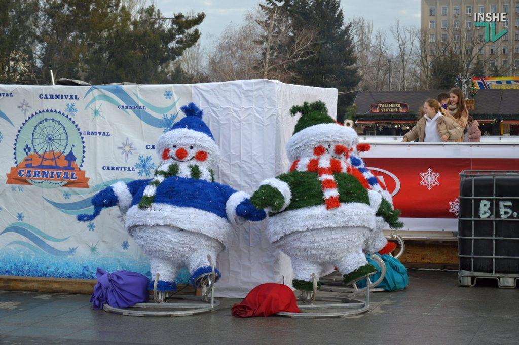 Николаев готовится к встрече 2021 года – репортаж с Соборной площади (ФОТО и ВИДЕО) 21