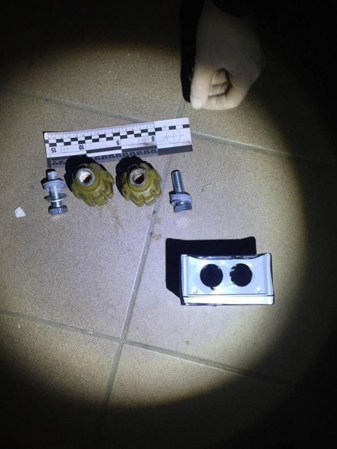 Прокуроры утверждают, что гранаты под дверью матери Шабунина были без взрывчатки (ФОТО) 1