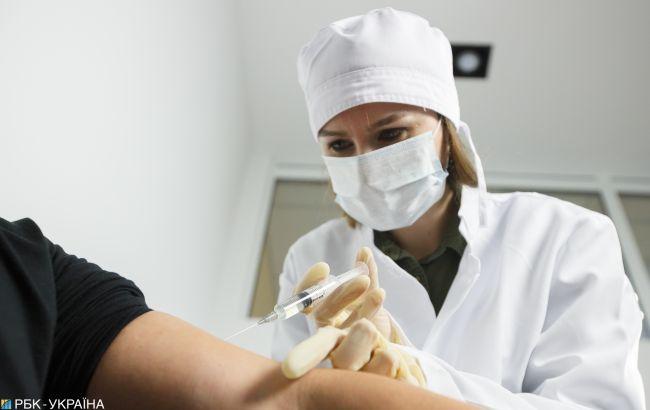Степанова вакцинировали индийской вакциной в прямом эфире, на очереди Зеленский (ВИДЕО)