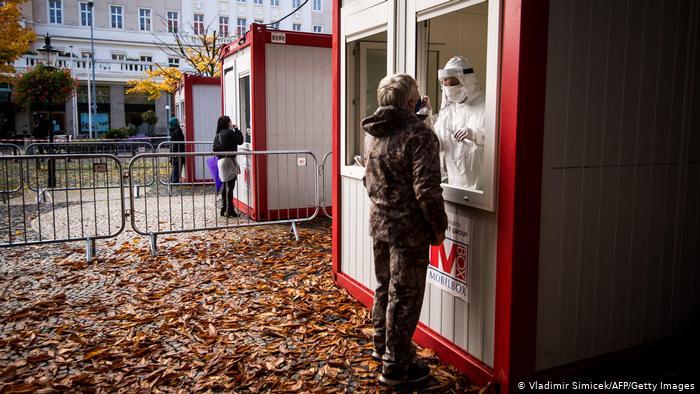 Словакия начала повторное общенациональное тестирование на коронавирус