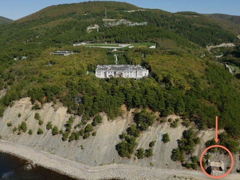 Навальный показал «Дворец Путина» в Геленджике (ВИДЕО)