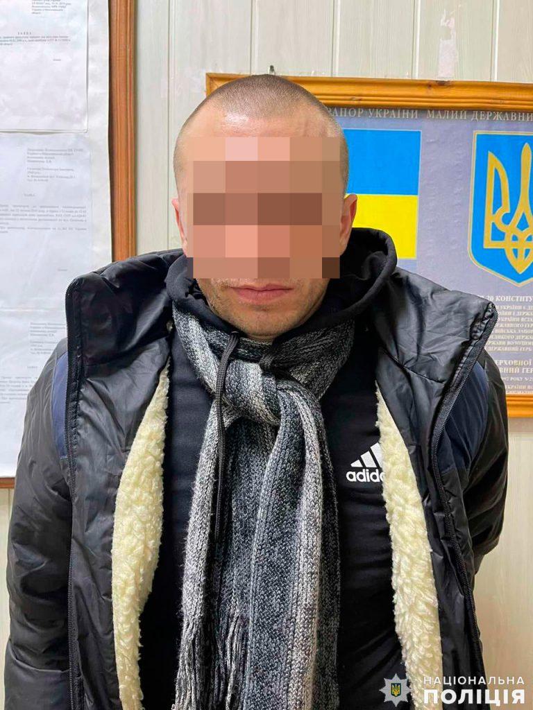 Грабителя, который проник в дом жительницы Вознесенского района и жестоко избил ее с требованием денег, задержали (ФОТО) 1