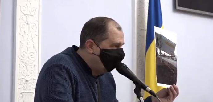 Исполком Николаевского горсовета проголосовал против двух бигбордов ЧМ «Идея», хотя дать разрешение на их установку обязал суд