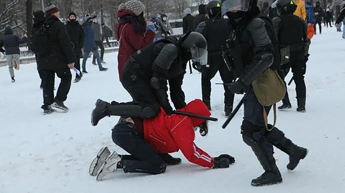 Акции протеста в России в поддержку Навального: задержано свыше 4 тысяч человек, в том числе 82 журналиста (ВИДЕО)