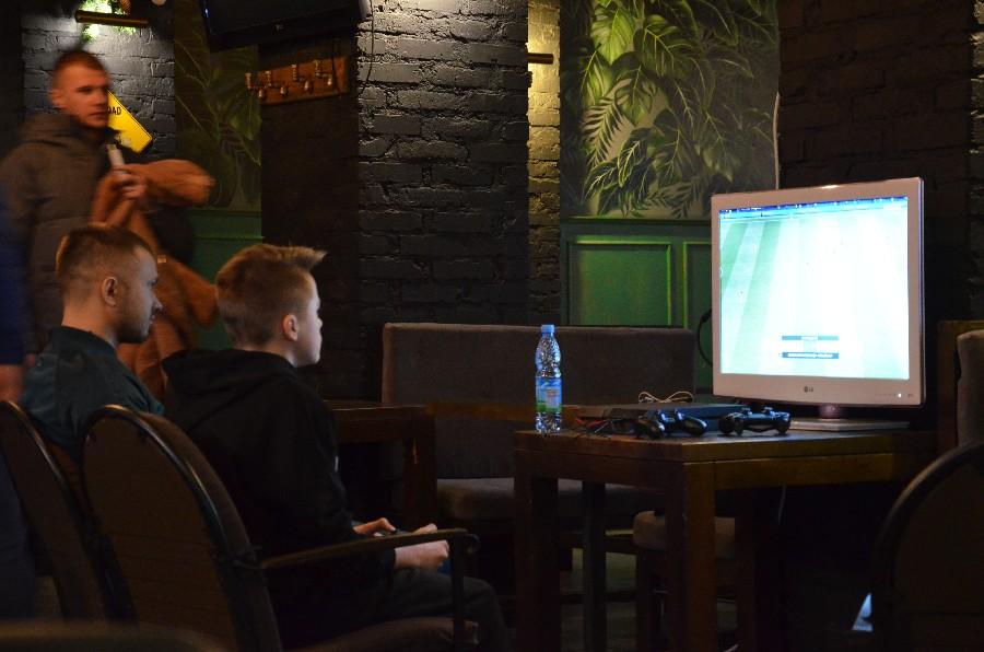 В Николаеве прошел первый официальный турнир по электронному футболу (ФОТО) 1