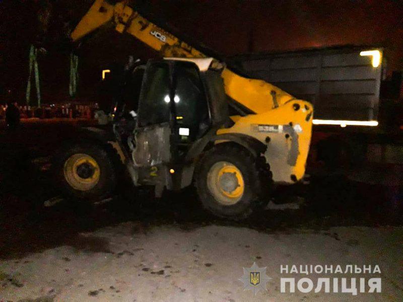 В Николаевском речном порту погрузчик наехал на контролера – женщина погибла