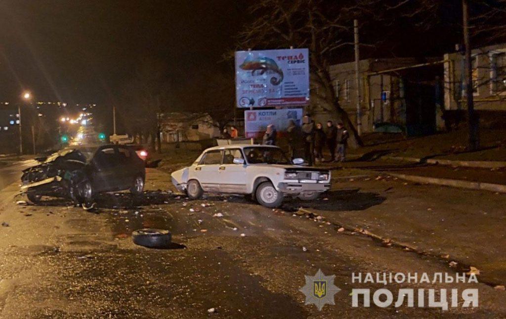 Вечернее ДТП в Вознесенске: пострадали молодой мужчина и ребенок (ФОТО) 3