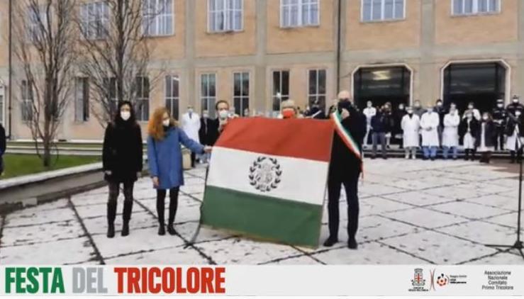 День Государственного флага в Италии в этом году посвятили врачам, борющимся с пандемией (ВИДЕО)