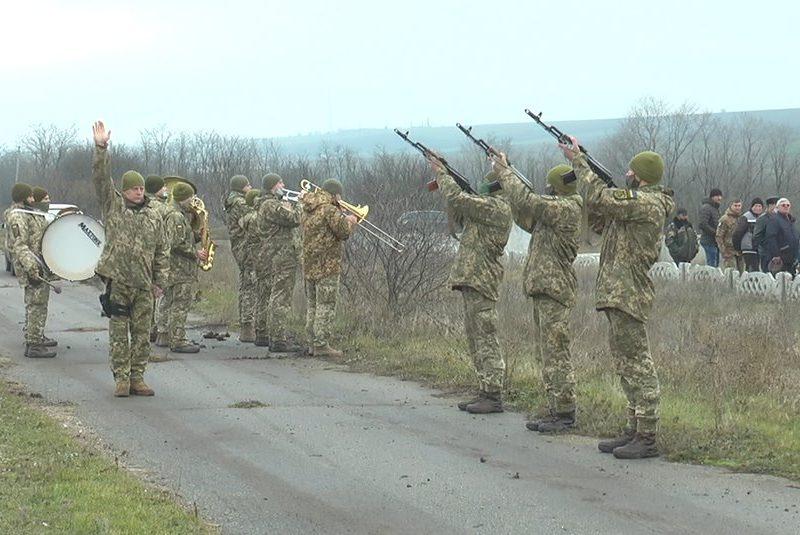 На Николаевщине уже 169 семей погибших воинов — вчера простились с морпехом, погибшим от пули снайпера (ФОТО, ВИДЕО)