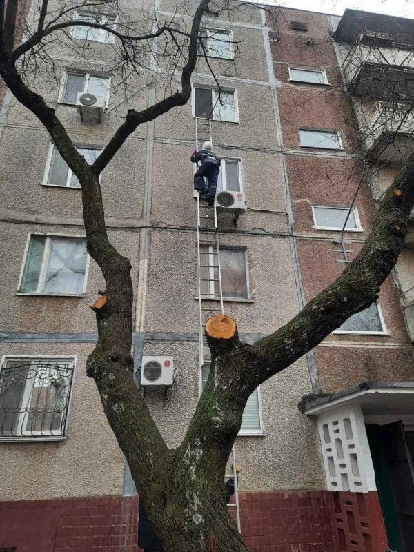 Новый год николаевские спасатели начали с добрых дел (ФОТО) 3