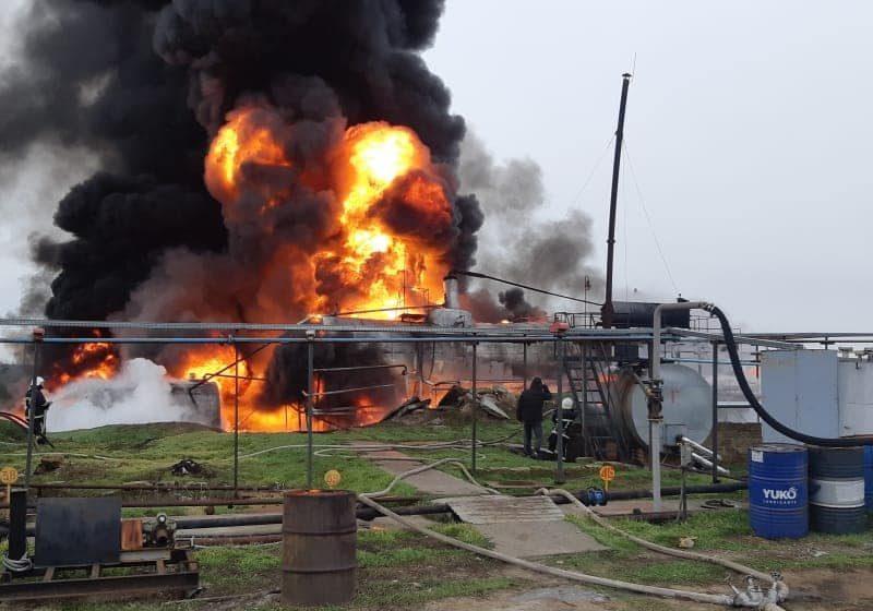 Под Николаевом на складе ГСМ горит цистерна с нефтепродуктами (ФОТО)