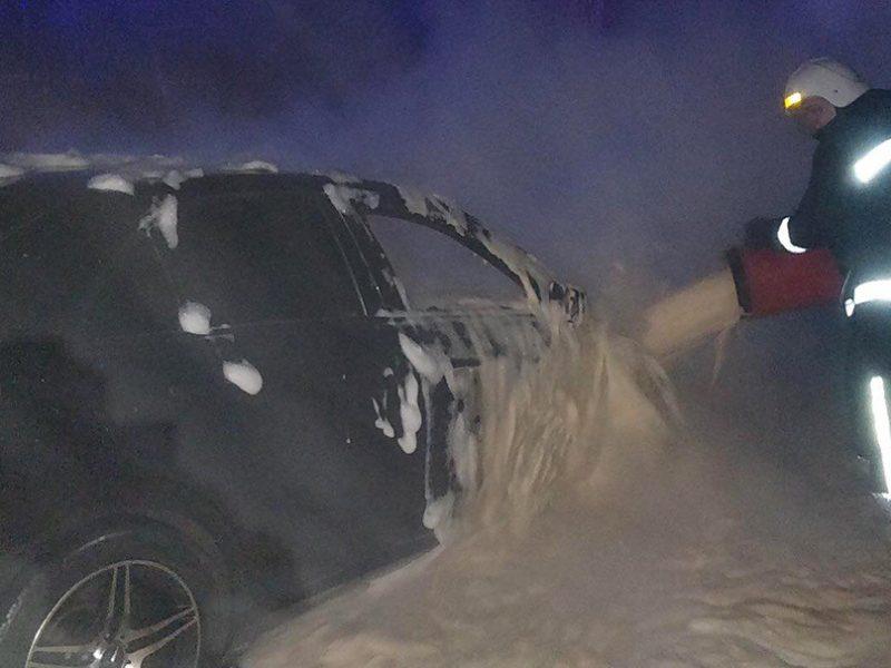 На Николаевщине за сутки горело 3 авто, 2 из них – Мерседесы (ФОТО)