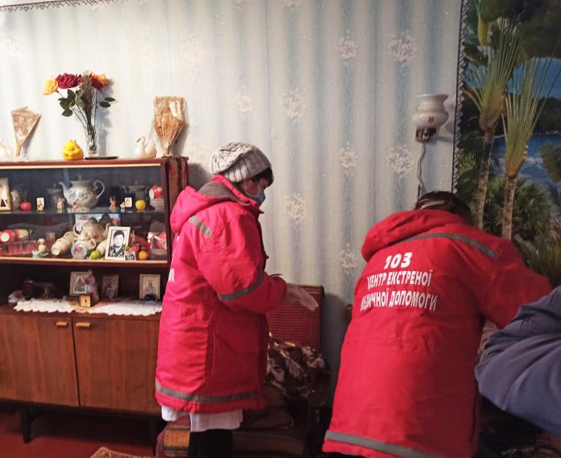 В Первомайске и Николаеве спасатели помогли медикам добраться до больных с инсультом (ФОТО) 3