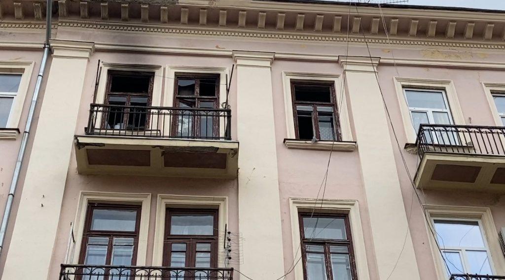 В многоэтажке Черновцов взорвался туристический газовый баллон – хозяин квартиры с ожогами в больнице (ФОТО) 5