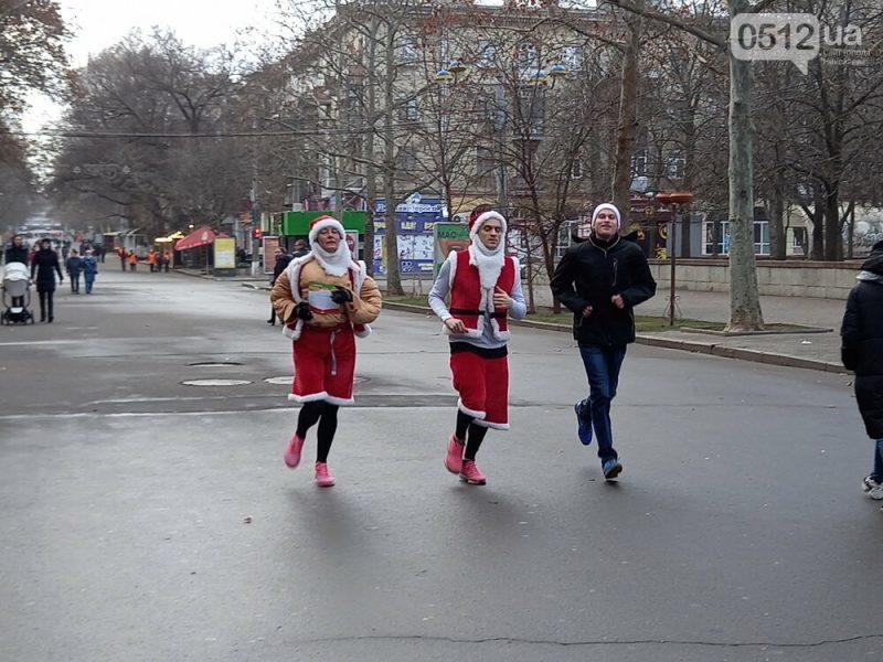 """20 км 21 м: в Николаеве состоялся  новогодний забег """"Беги к цели"""" (ФОТО)"""