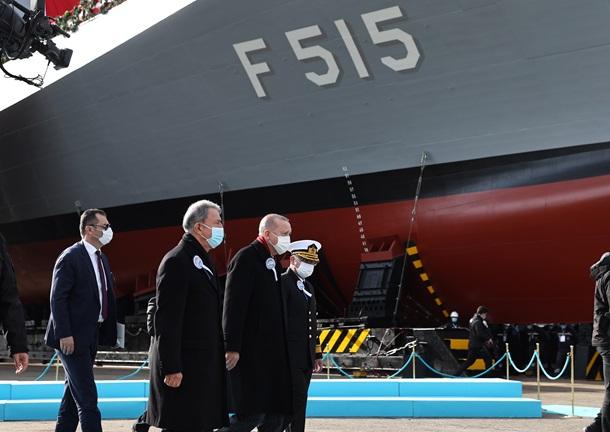 """В Турции спустили на воду свой первый фрегат """"Стамбул"""" (ФОТО, ВИДЕО) 3"""
