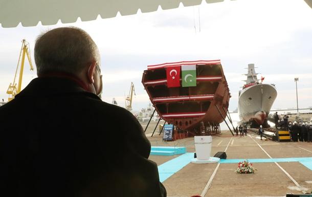 """В Турции спустили на воду свой первый фрегат """"Стамбул"""" (ФОТО, ВИДЕО) 7"""