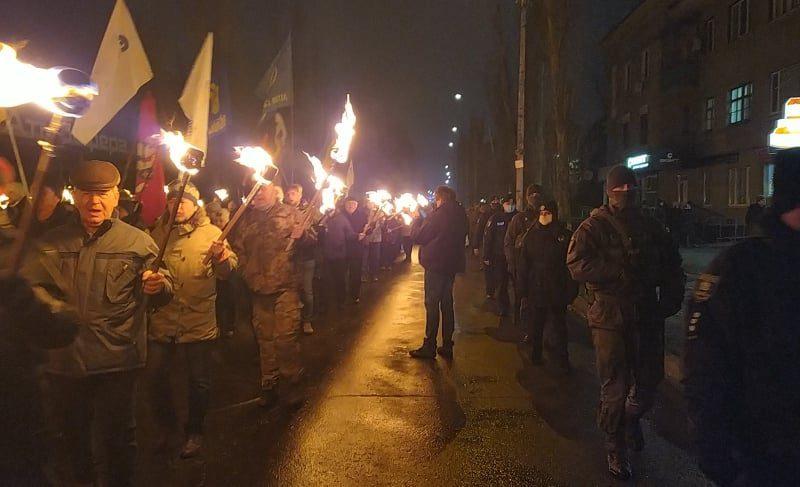В городах Украины прошли факельные шествия в память Степана Бандеры (ФОТО, ВИДЕО)