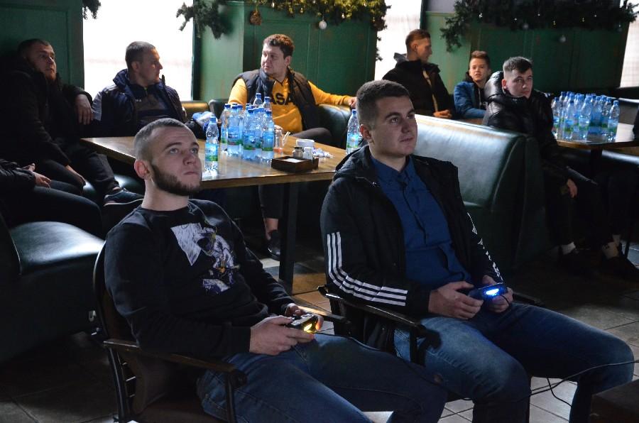 В Николаеве прошел первый официальный турнир по электронному футболу (ФОТО) 5