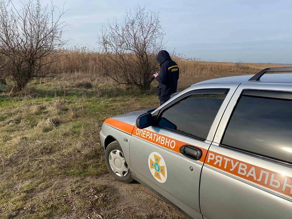И с воздуха, и с воды: на Николаевщине продолжают искать двух утонувших рыбаков (ФОТО) 5
