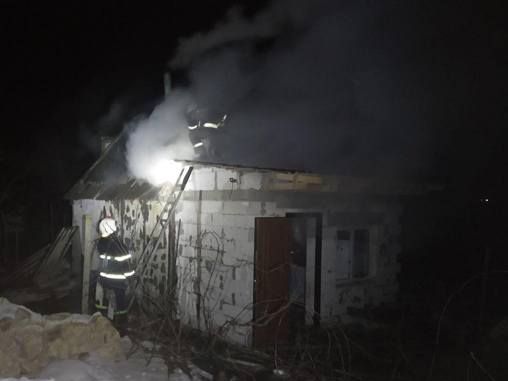 В воскресенье спасатели Николаевщины тушили автомобили, хозпостройки и жилые дома (ФОТО) 7