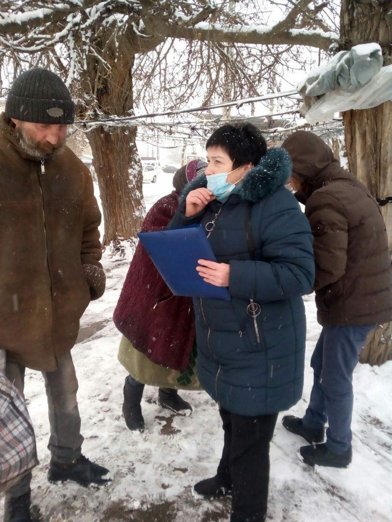 В Николаеве для бездомных работают пункты горячего питания и выдачи теплой одежды (ФОТО) 11