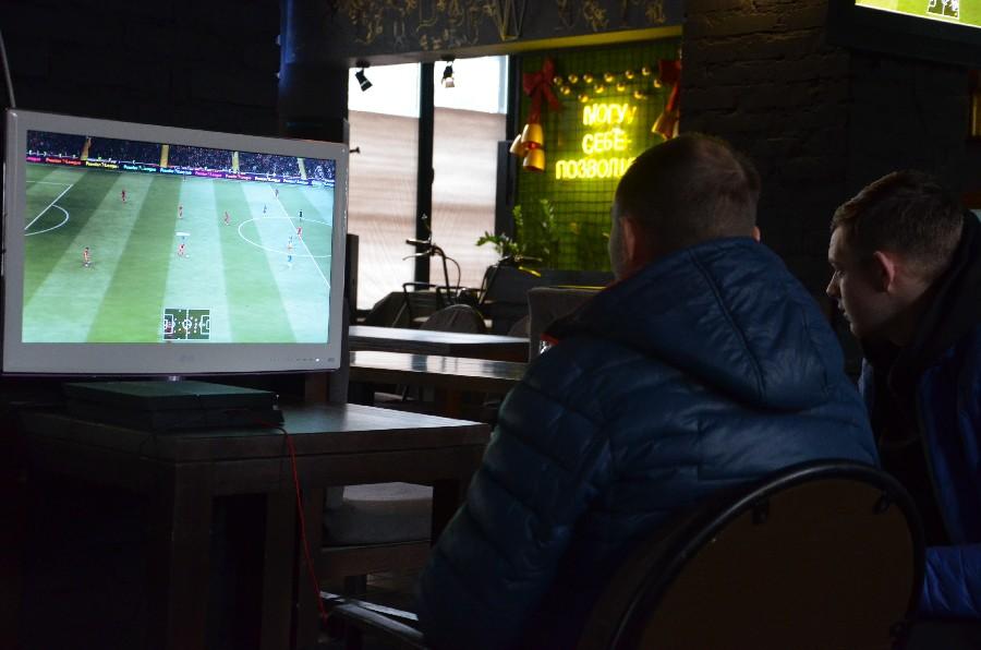 В Николаеве прошел первый официальный турнир по электронному футболу (ФОТО) 9