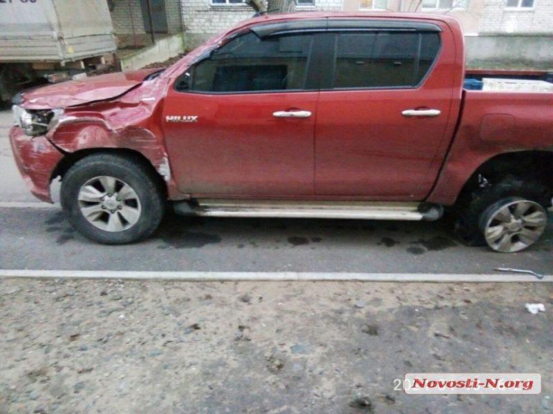 В Николаеве пьяный водитель «Тойоты», убегая с места ДТП, разбил свой автомобиль