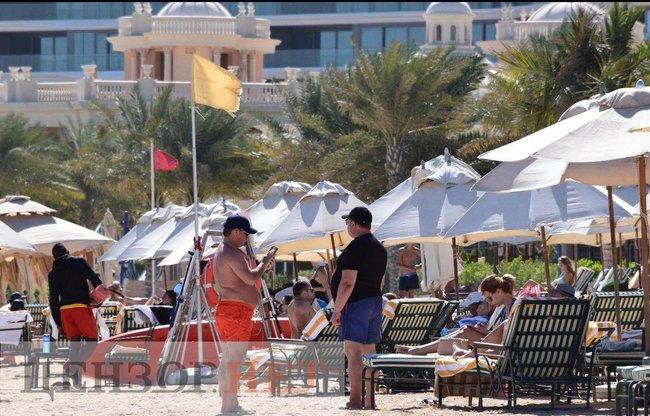 Глава КС Тупицкий отдыхает на королевской вилле в Дубае за 300 тыс. грн. в сутки – СМИ
