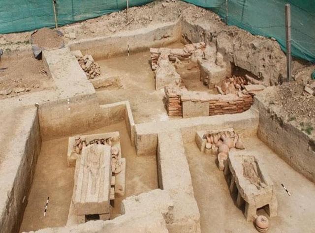 """В Индии обнаружили древние саркофаги """"на ножках"""" возрастом  4 тысяч лет (ФОТО, ВИДЕО)"""