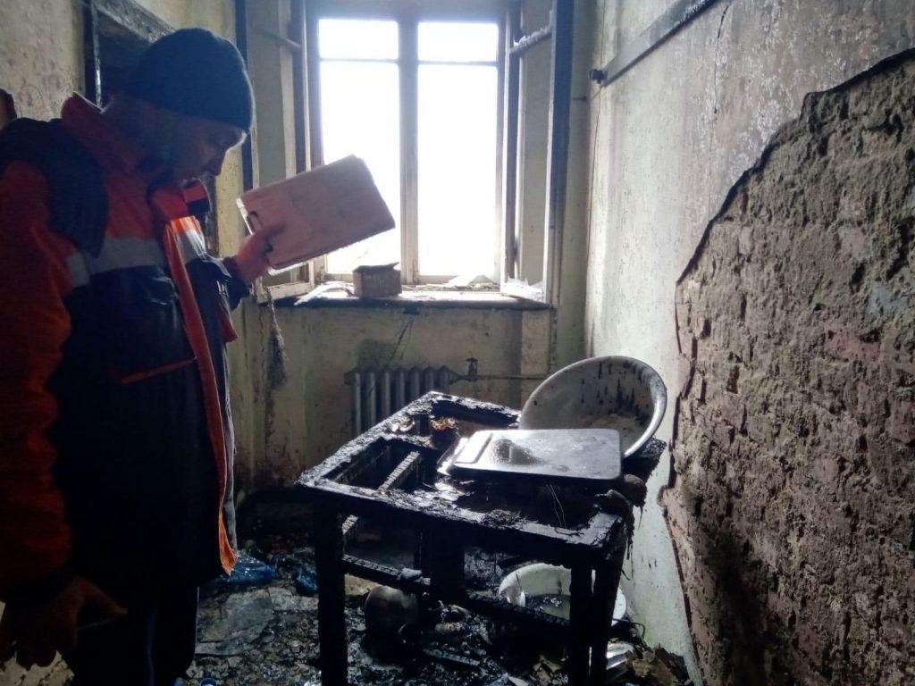 В многоэтажке Черновцов взорвался туристический газовый баллон – хозяин квартиры с ожогами в больнице (ФОТО) 7